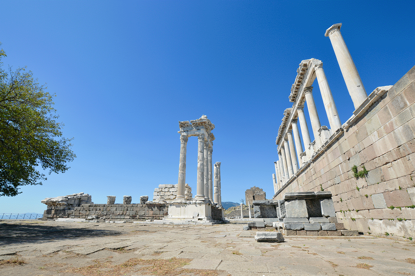 Explore historical sightseeing spots on the Aegean Region